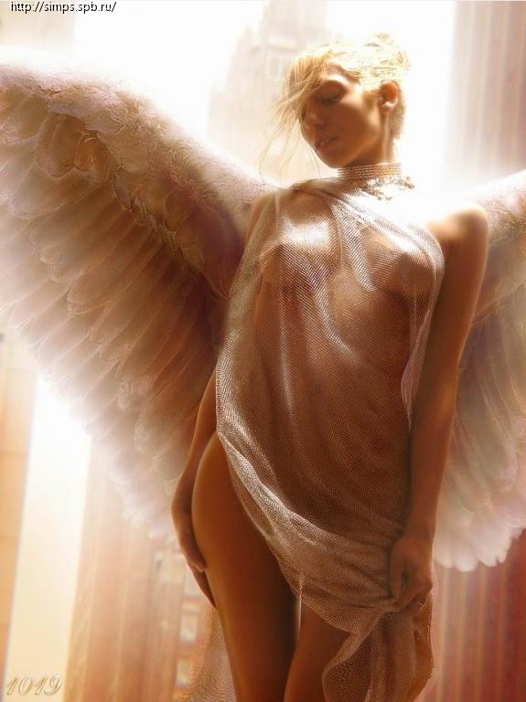 krasivaya-seksualnaya-devushka-angel