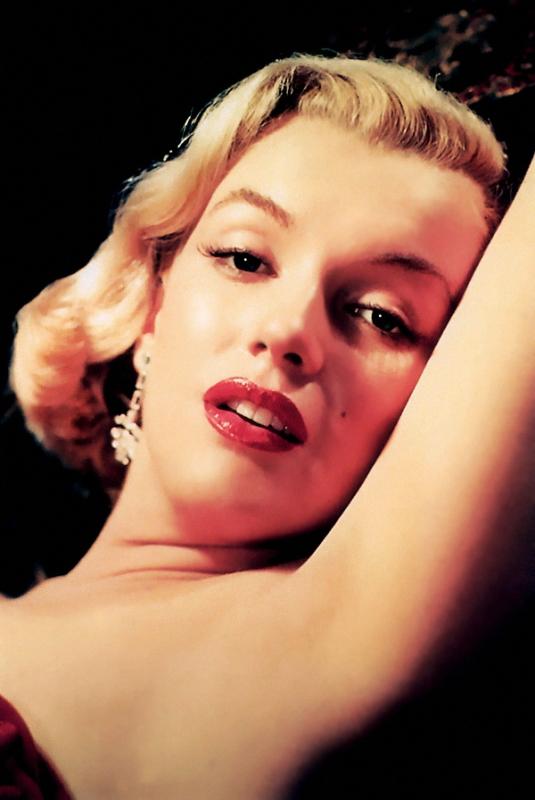 a biography of marilyn monroe an actress