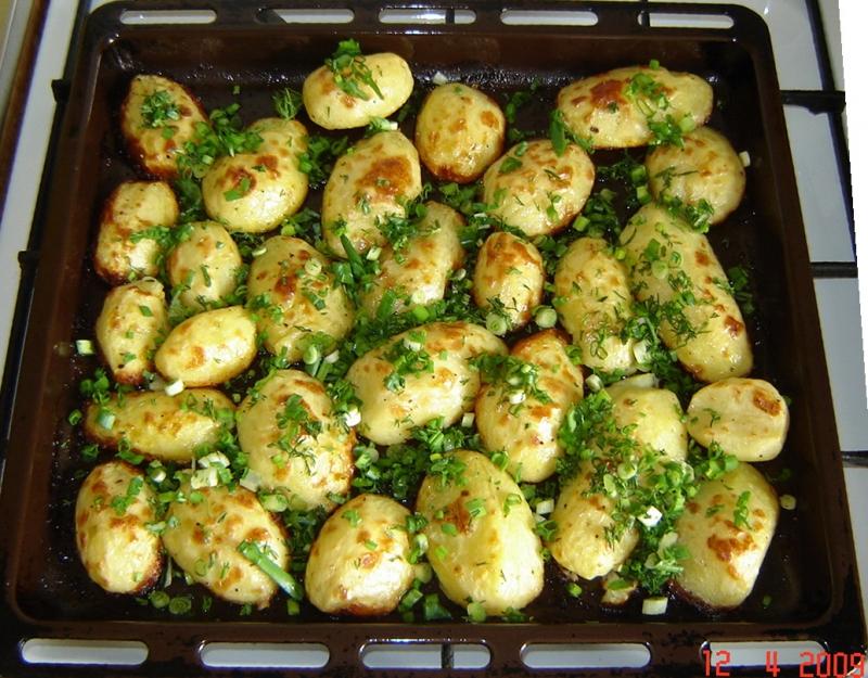 Картофель в духовке целиком рецепт с фото