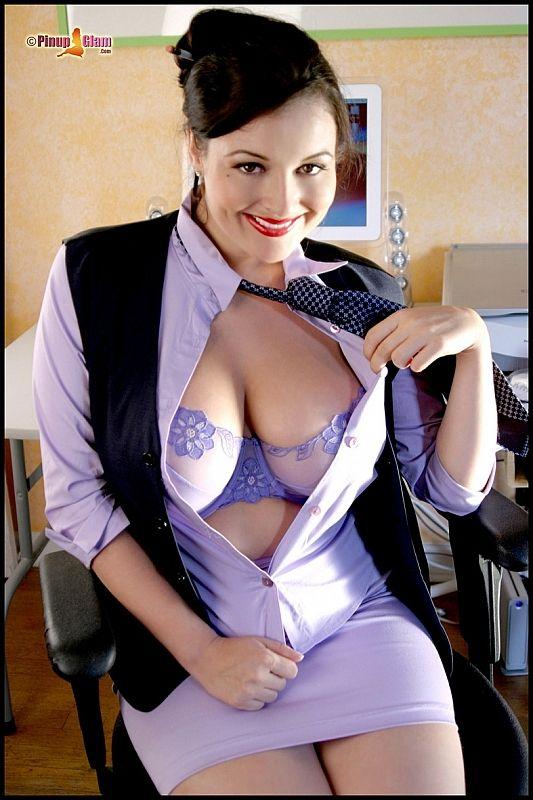 Секретарши с большим размером груди