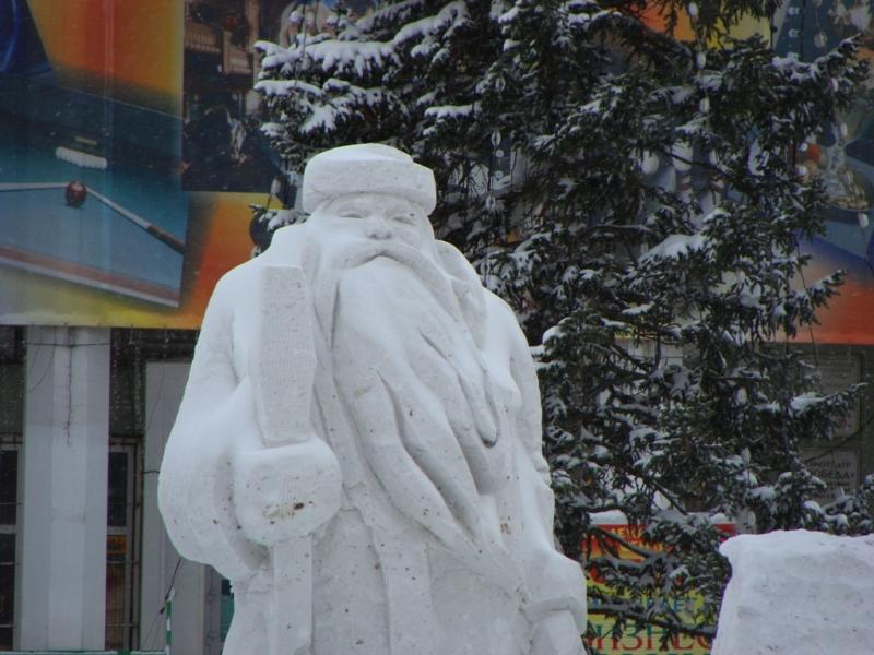 Как сделать дед мороза из снега своими руками