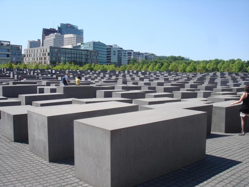 Памятник погибшим евреям в Берлине