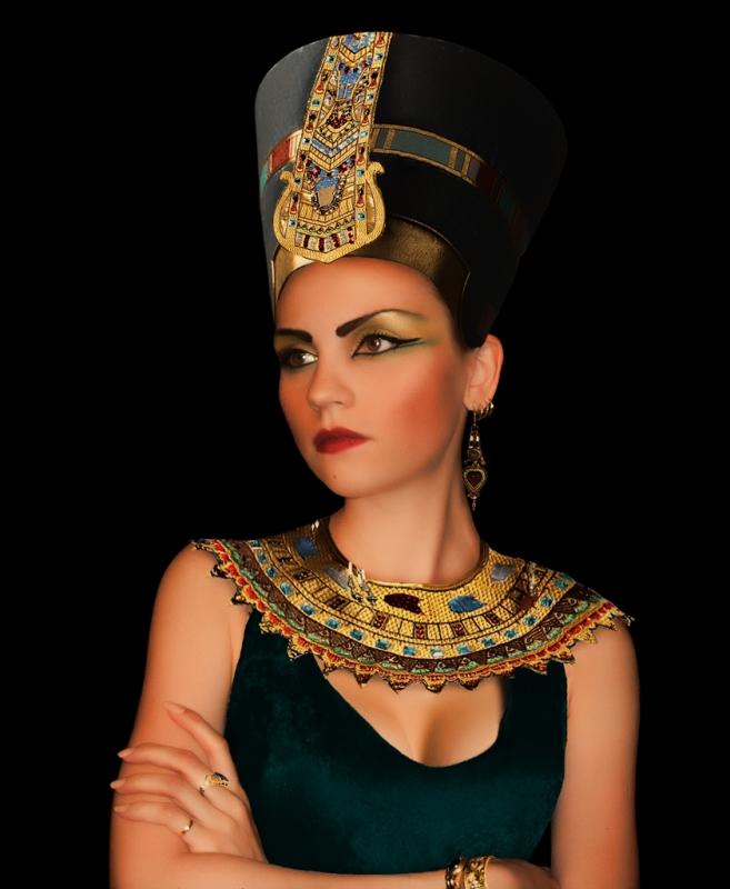 cleopatra leadership style Leadership a respected leader  cleopatra was one of the few non-egyptian leaders to adapt to egyptian culture though cleopatra was macedonian-greek.
