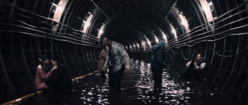 Выжившие в тоннеле метро