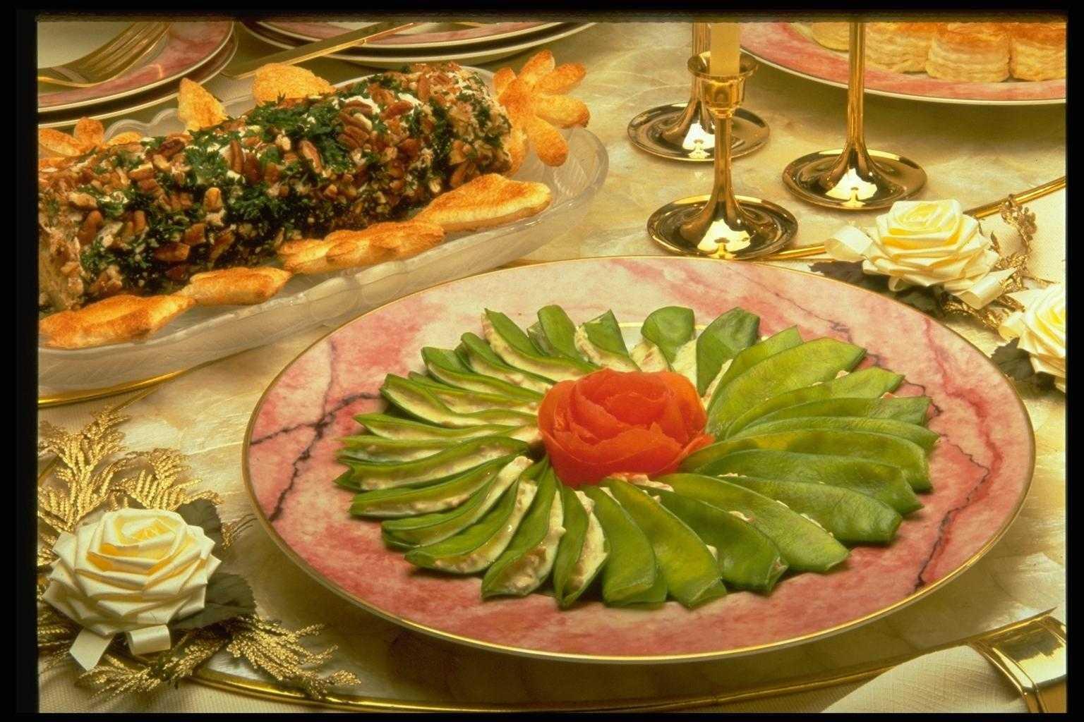 Рецепты для праздника и как украсить стол