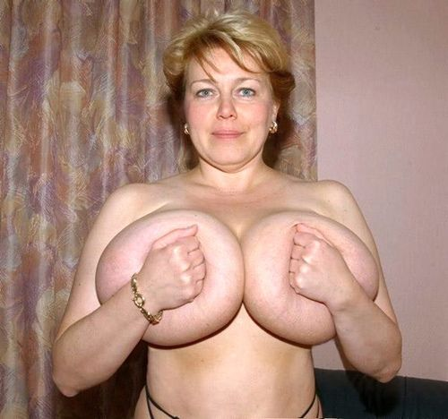 zrelaya-na-tolpu-porno
