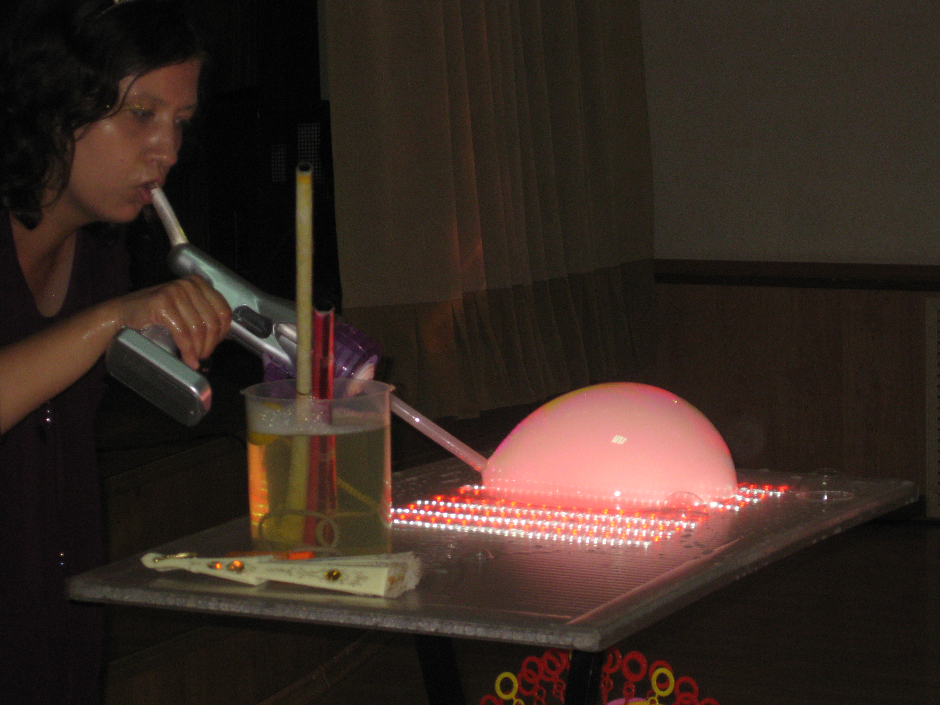 Стол для шоу мыльных пузырей своими руками