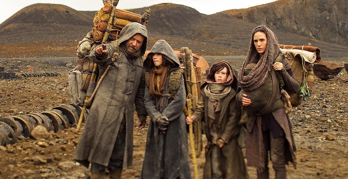 Ной с семьей идут к Мафусаилу